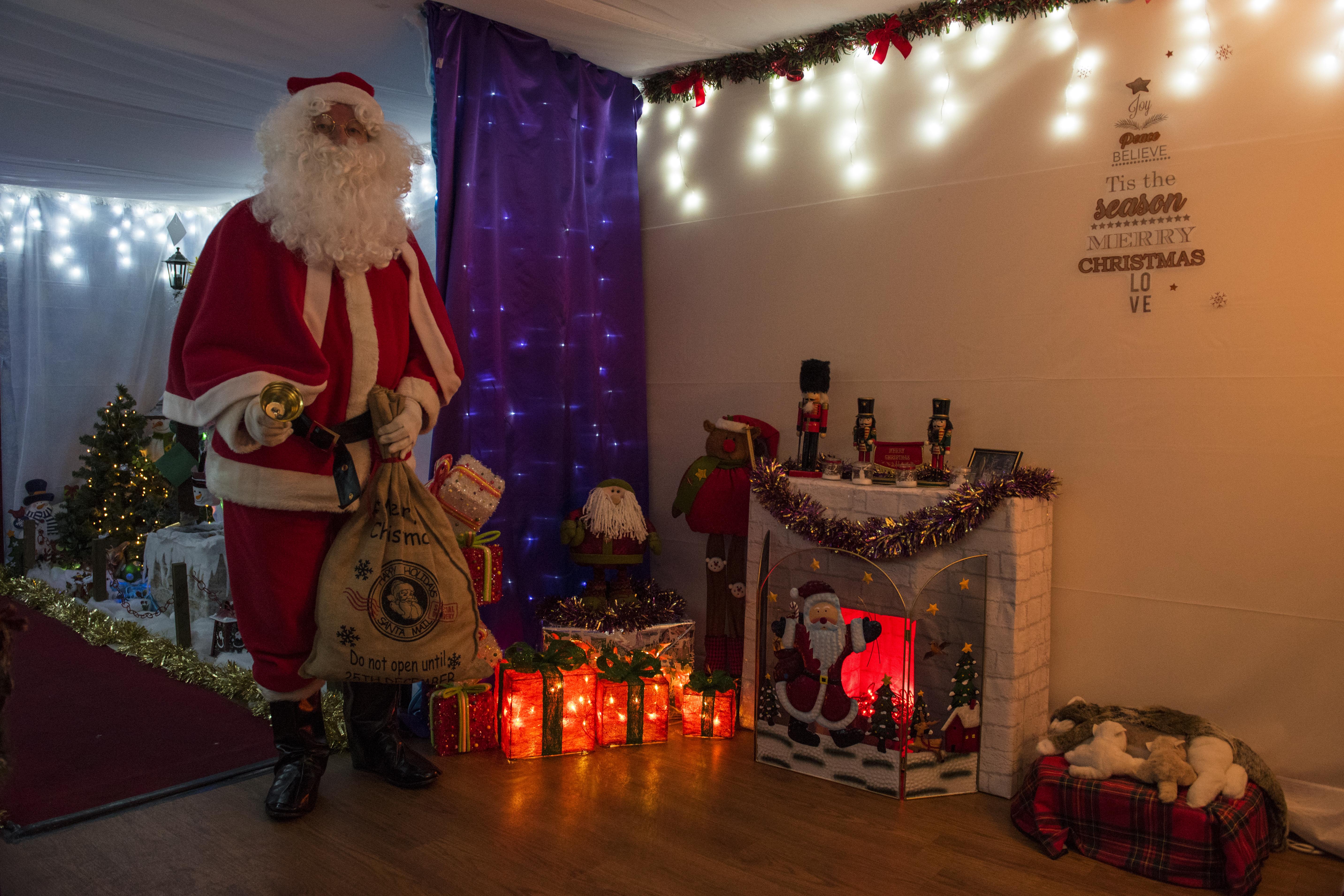 Santa Specials (10)