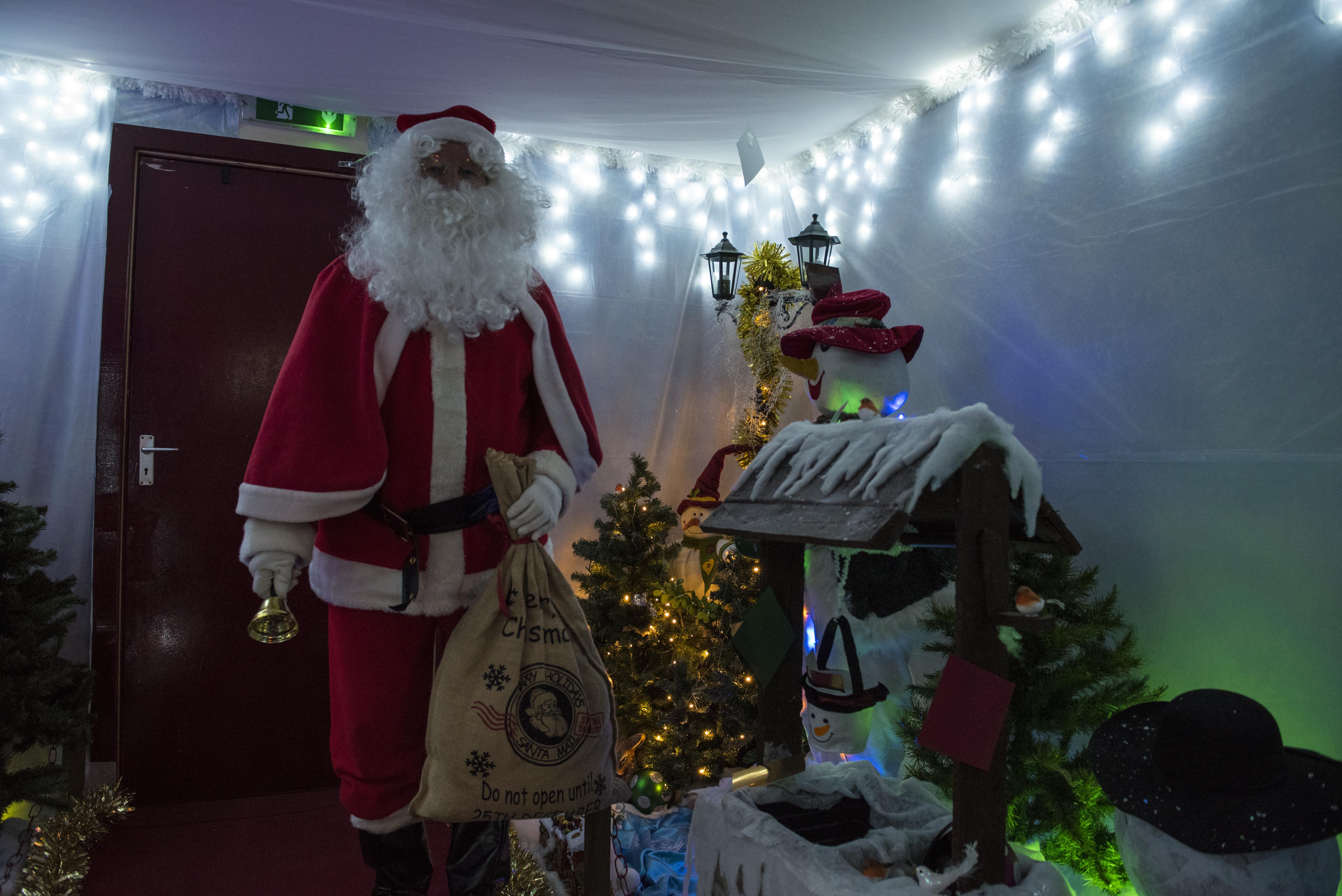Santa Specials (8)